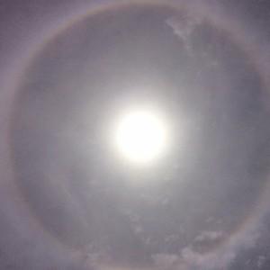 ハロ(日暈)