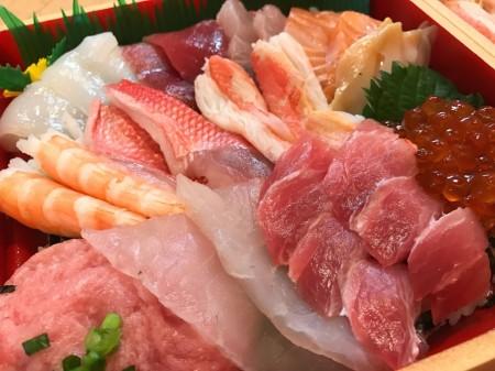 ひな祭りに寿司