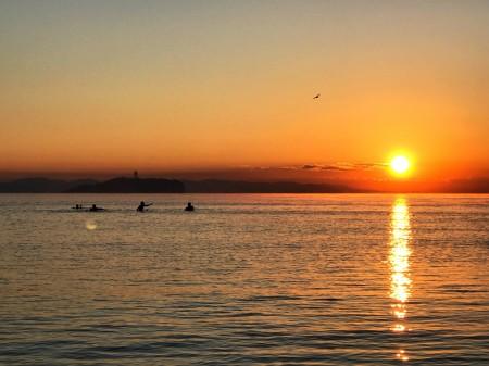 初日の出と江ノ島